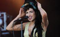 Amy Winehouse Music 33 Widescreen Wallpaper