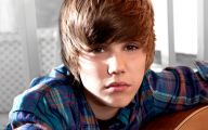 Justin Beiber 27 Background Wallpaper