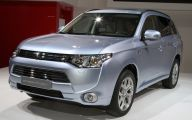 Mitsubishi Outlander 21 Background Wallpaper