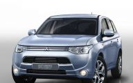 Mitsubishi Outlander 37 Background