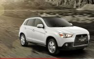 Mitsubishi Outlander 39 Background