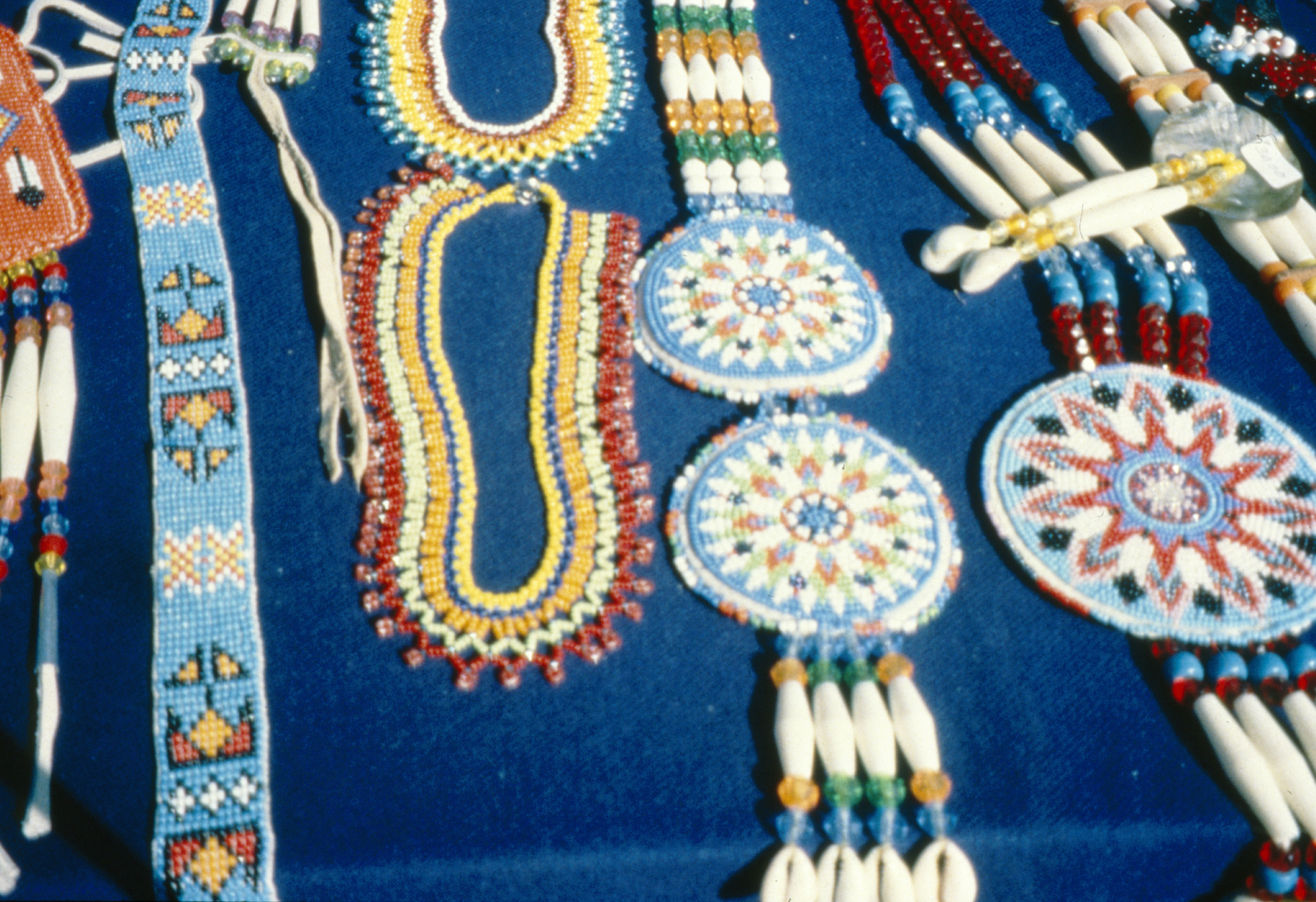 Native American Beadwork 81 High Resolution Wallpaper - ListToday